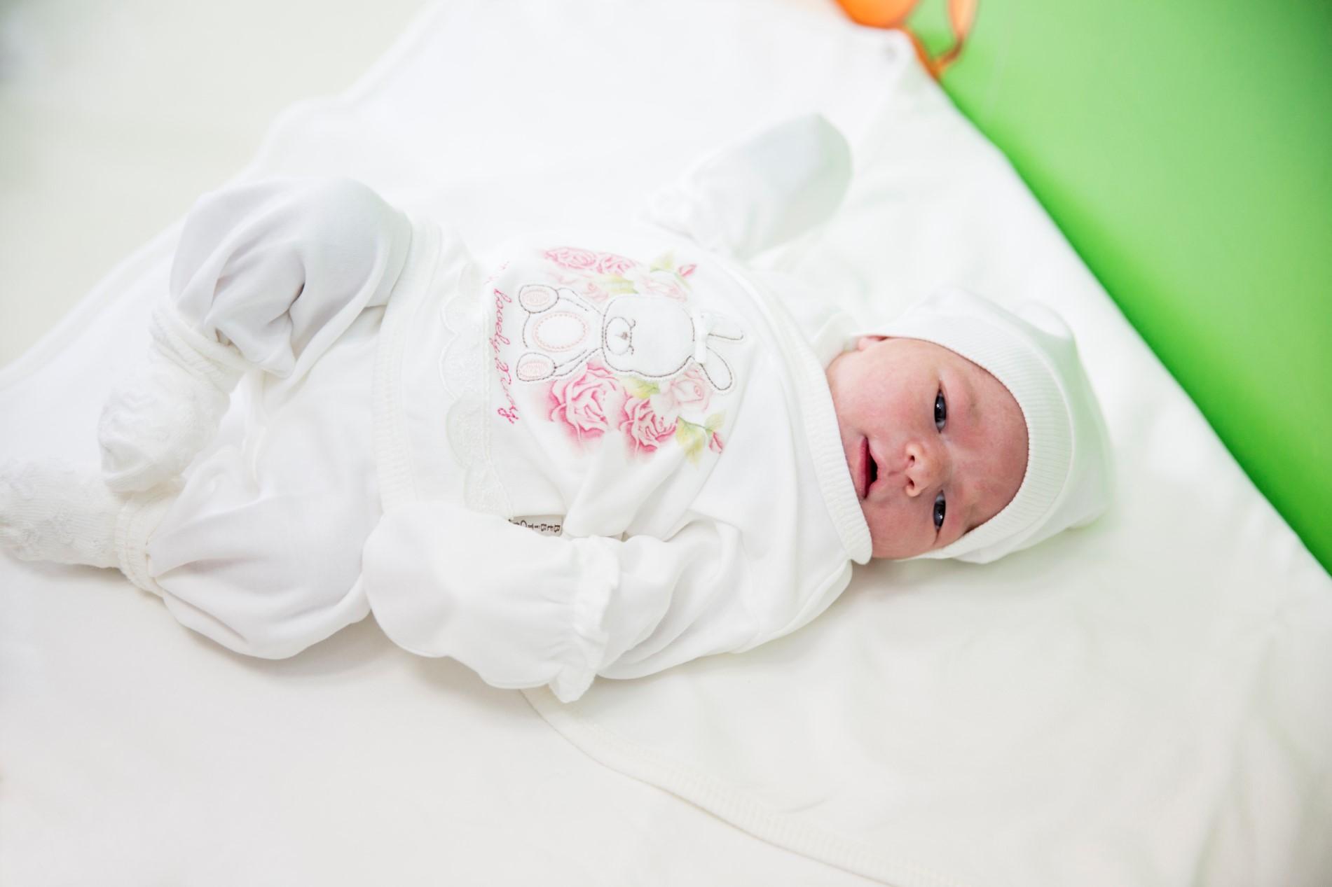Изписване на бебе от родилно - Джансу